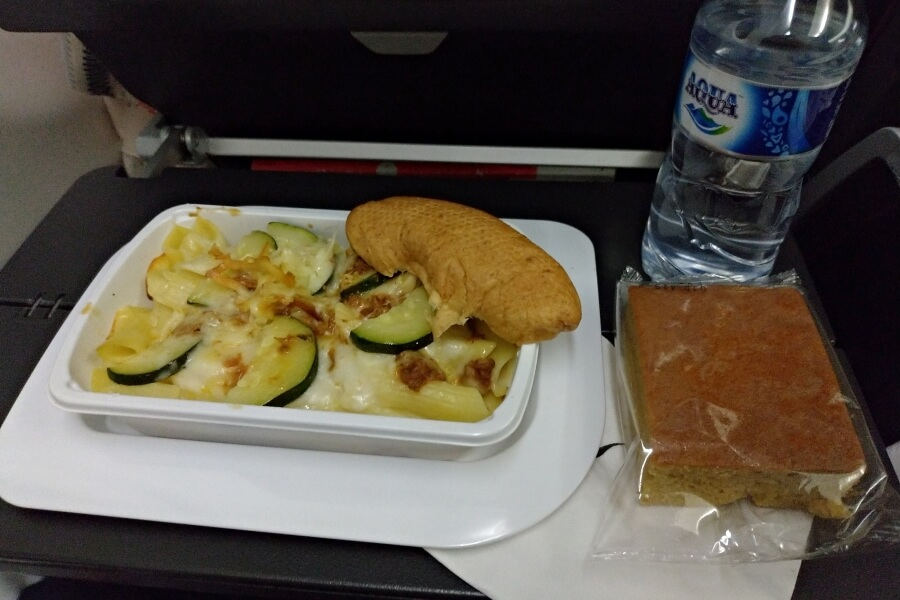in-flight meal qantas penerbangan jakarta-sydney
