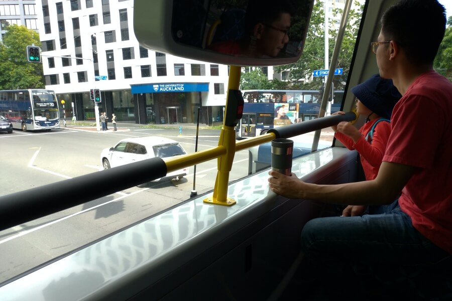 naik bus double decker