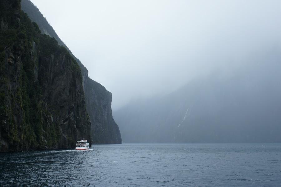 Hujan di Milford Sound