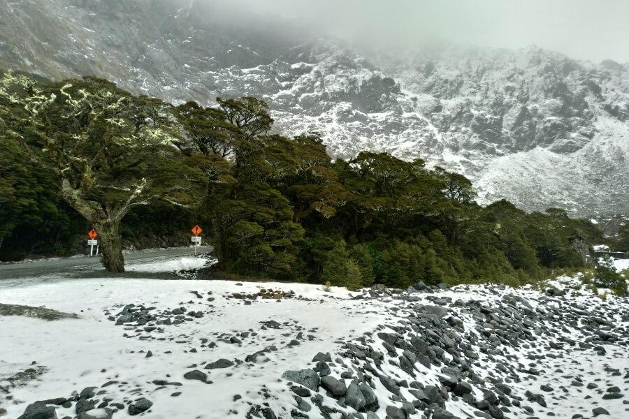 salju di homer tunnel