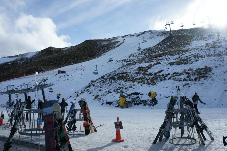 ski snowboard queenstown
