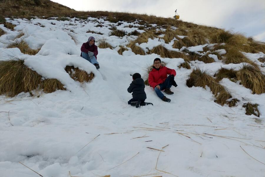 salju di bukit di coronet peak