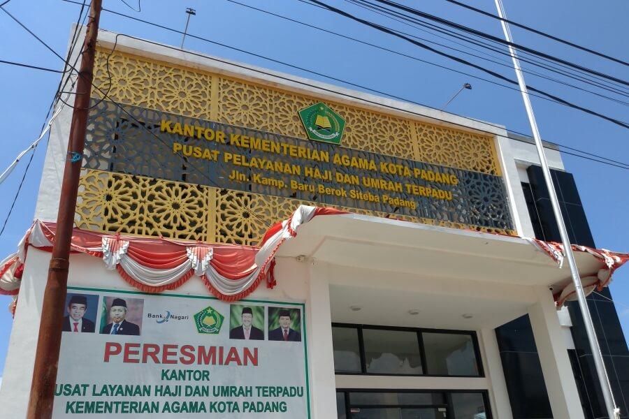 kantor pusat pelayanan haji umrah terpadu padang